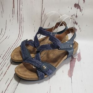 Taos blue strapy velcro closure sandals 9.5